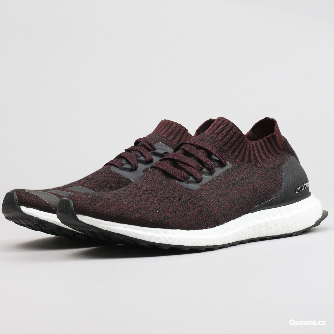 adidas UltraBOOST Uncaged core black / dark burgundy / core black